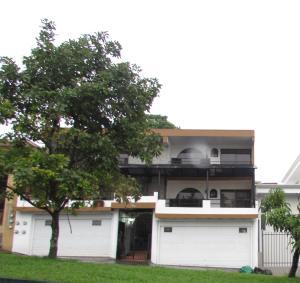 Apartamento En Alquiler En Sabanilla, Montes De Oca, Costa Rica, CR RAH: 17-414