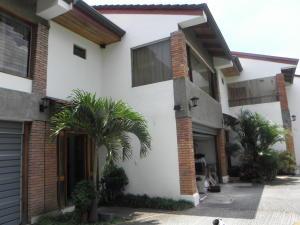 Casa En Venta En Trejos Montealegre, Escazu, Costa Rica, CR RAH: 17-427