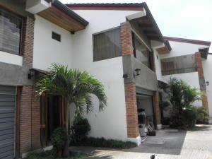 Casa En Alquiler En Trejos Montealegre, Escazu, Costa Rica, CR RAH: 17-428