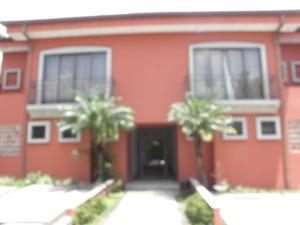 Apartamento En Alquiler En Trejos Montealegre, Escazu, Costa Rica, CR RAH: 17-429