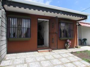 Casa En Venta En Moravia, Moravia, Costa Rica, CR RAH: 17-430