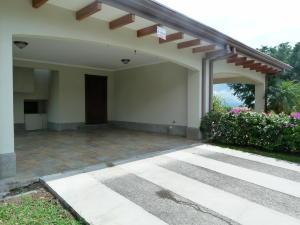 Casa En Ventaen La Guacima, Alajuela, Costa Rica, CR RAH: 17-435