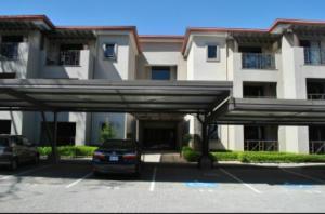 Apartamento En Alquiler En Santa Ana, Santa Ana, Costa Rica, CR RAH: 17-440
