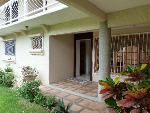 Casa En Alquileren Laureles, Escazu, Costa Rica, CR RAH: 17-452