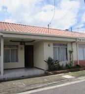 Casa En Venta En Tibas, Tibas, Costa Rica, CR RAH: 17-438