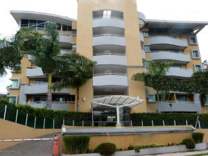 Apartamento En Venta En Escazu, Escazu, Costa Rica, CR RAH: 17-474