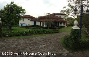 Casa En Venta En San Isidro, San Isidro, Costa Rica, CR RAH: 17-494