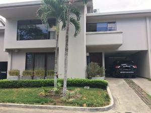 Casa En Ventaen San Rafael Escazu, Escazu, Costa Rica, CR RAH: 17-497
