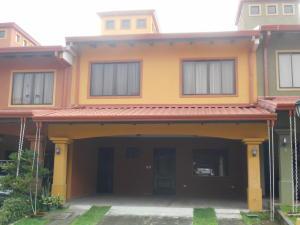 Casa En Venta En Sabanilla, Montes De Oca, Costa Rica, CR RAH: 17-505