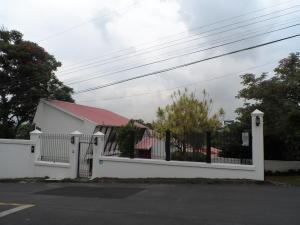 Casa En Venta En Escazu, Escazu, Costa Rica, CR RAH: 17-517