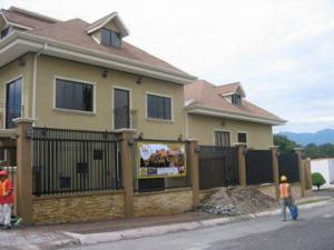 Casa En Venta En Guayabos De Curridabat, Curridabat, Costa Rica, CR RAH: 17-515