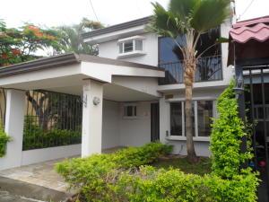 Casa En Alquileren Heredia, Heredia, Costa Rica, CR RAH: 17-518