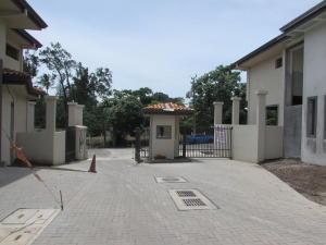Casa En Ventaen Santa Ana, Santa Ana, Costa Rica, CR RAH: 17-524