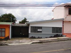 Casa En Venta En Guadalupe, Goicoechea, Costa Rica, CR RAH: 17-548