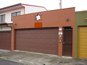 Casa En Venta En Sanchez, Curridabat, Costa Rica, CR RAH: 17-549