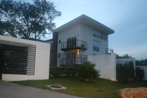 Apartamento En Venta En Santa Ana, Santa Ana, Costa Rica, CR RAH: 17-562