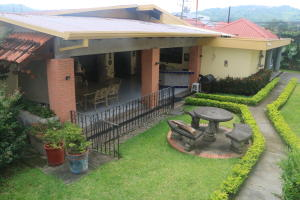 Casa En Ventaen Santa Ana, Santa Ana, Costa Rica, CR RAH: 17-567