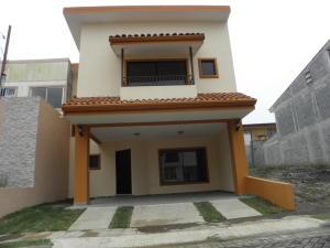Casa En Venta En Montes De Oca, Montes De Oca, Costa Rica, CR RAH: 17-577