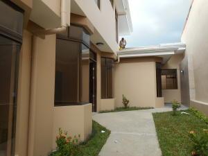 Apartamento En Alquileren Guayabos De Curridabat, Curridabat, Costa Rica, CR RAH: 17-582