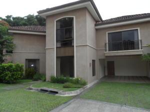 Casa En Venta En Escazu, Escazu, Costa Rica, CR RAH: 17-638