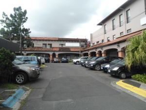 Local Comercial En Alquiler En Trejos Montealegre, Escazu, Costa Rica, CR RAH: 17-657