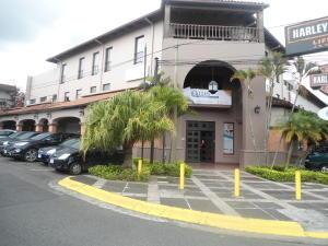 Local Comercial En Alquiler En Trejos Montealegre, Escazu, Costa Rica, CR RAH: 17-659