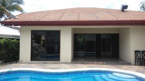 Casa En Alquiler En San Rafael De Alajuela, San Rafael De Alajuela, Costa Rica, CR RAH: 17-682