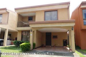 Casa En Alquiler En Pozos, Santa Ana, Costa Rica, CR RAH: 17-691