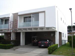 Casa En Ventaen Pozos, Santa Ana, Costa Rica, CR RAH: 17-697