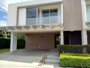 Casa En Alquileren Pozos, Santa Ana, Costa Rica, CR RAH: 17-699