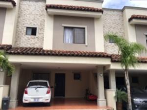 Casa En Venta En Santa Ana, Santa Ana, Costa Rica, CR RAH: 17-700