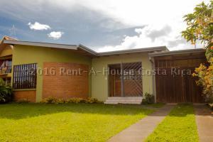 Casa En Venta En Curridabat, Curridabat, Costa Rica, CR RAH: 17-718