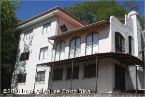 Casa En Venta En Santa Ana, Santa Ana, Costa Rica, CR RAH: 17-799