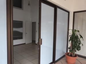 Oficina En Alquileren Escazu, Escazu, Costa Rica, CR RAH: 17-820