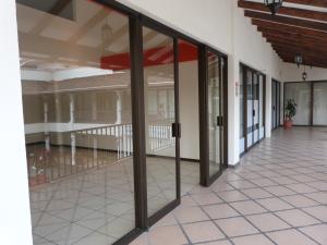 Oficina En Alquiler En Escazu, Escazu, Costa Rica, CR RAH: 17-821