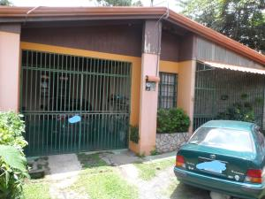 Casa En Venta En Brasil De Santa Ana, Santa Ana, Costa Rica, CR RAH: 17-832
