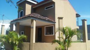 Casa En Ventaen Brasil De Santa Ana, Santa Ana, Costa Rica, CR RAH: 17-839