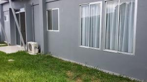 Apartamento En Alquiler En Santa Ana, Santa Ana, Costa Rica, CR RAH: 17-848