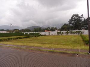 Terreno En Ventaen Santa Ana, Santa Ana, Costa Rica, CR RAH: 17-856