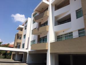 Apartamento En Alquiler En Santa Ana, Santa Ana, Costa Rica, CR RAH: 17-861