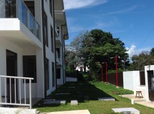 Apartamento En Alquileren Curridabat, Curridabat, Costa Rica, CR RAH: 17-873