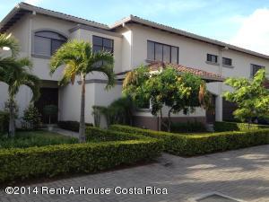 Casa En Alquiler En Santa Ana, Santa Ana, Costa Rica, CR RAH: 17-893