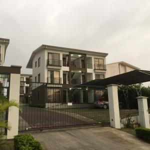 Apartamento En Alquiler En Ulloa, Heredia, Costa Rica, CR RAH: 17-923
