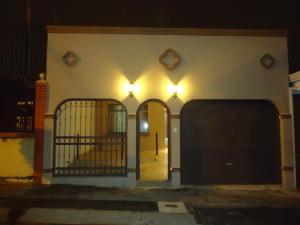 Casa En Venta En Alajuela Centro, Alajuela, Costa Rica, CR RAH: 17-918