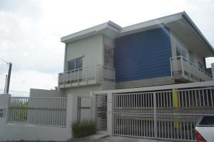 Casa En Alquiler En Sabanilla, Montes De Oca, Costa Rica, CR RAH: 17-952
