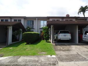 Casa En Ventaen Escazu, Escazu, Costa Rica, CR RAH: 17-948