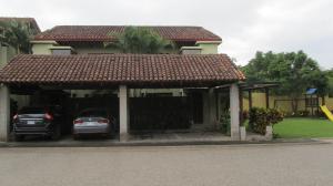 Casa En Ventaen Santa Ana, Santa Ana, Costa Rica, CR RAH: 17-950