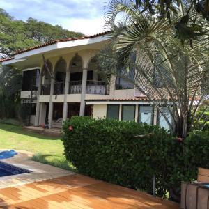 Casa En Ventaen Santa Ana, Santa Ana, Costa Rica, CR RAH: 17-953