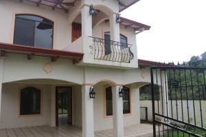 Casa En Ventaen Grecia, Grecia, Costa Rica, CR RAH: 17-996