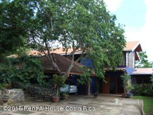 Casa En Ventaen Altos Paloma, Santa Ana, Costa Rica, CR RAH: 17-999